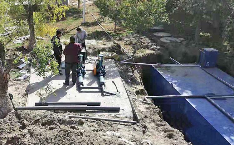 新疆阿克苏地区项目地埋式污水处理设备安装图片