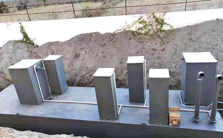 新疆新和县地埋式污水处理设备安装图片