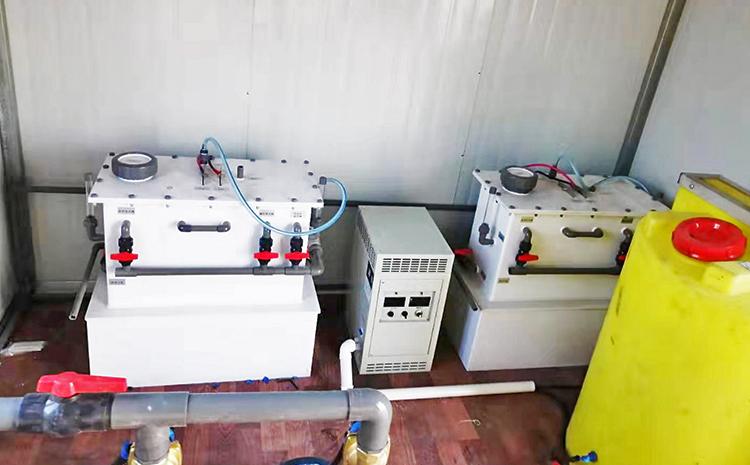 新疆新和县地埋式污水处理设备设备间安装图片